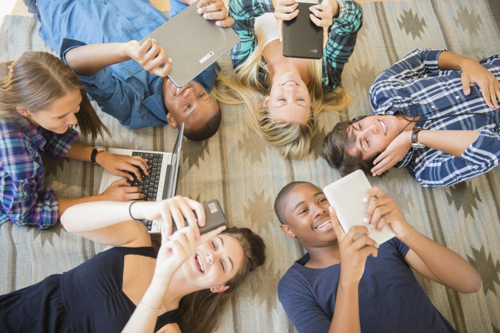 Почему не всегда люди желают делиться личной информацией с аудиторией